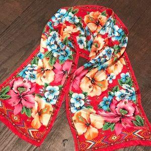 Oscar de la renta  beautiful scarf